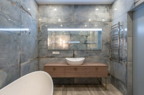 How To Make Your Small Bathroom Look Expensive